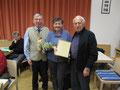 Inge Konrad wurde vom Obmann und ehem.VNO Präsident Ing.Josef Dag, für 30 Jahre Mitgliedschaft geehrt.