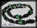 300 - Lavaperlen kombiniert mit grünen Glaswürfeln und kleinen Metallperlchen (EK)