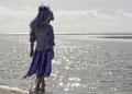 Fantasie & Wirklichkeit Fotografien und Gedichte Kathrin Steiger märchenhaft verträumt Meer Wasser glitzer Blumenmädchen Blumenfee Blumenelfe  Elfe Fee Herbst Herbstzeit Flower Fairy