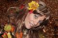 Fantasie & Wirklichkeit Fotografien und Gedichte Kathrin Steiger märchenhaft verträumt Herbst Herbstzeit Herbstfee Herbstelfe  Elfe Fee  Herbstkleit Blätterkleid