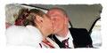 Der Kuss in der Hochzeitskutsche
