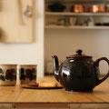 ブラウンベティ―ティーポット ぽってりと丸い形 美味しい紅茶をたっぷり楽しめます