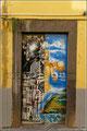 Bemalte Tür in den Gassen von Funchal