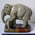 """""""Слониха со слонёнком"""", автор Е.М. Гуревич. Н - 20 см. 1956 г."""