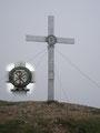... das Gipfelkreuz des Gößeck (2214m).