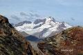 Nach etwa 2 ½ Stunden standen wir alle auf einem Gipfel über der magischen 3000er Grenze. Nach allen Seiten bot sich ein überwältigender Blick, wie hier zur gewaltigen Weißkugel (3739m), dem zweithöchsten Gipfel der Ötztaler Alpen.