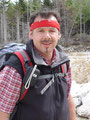 Ronald ließ es sich nicht nehmen, mein lästiges Gesicht zu fotografieren. Wandern im Steinbruch, nicht gerade meine Lieblingsbeschäftigung.