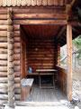 Eindrücke der urigen privaten Jagdhütte.