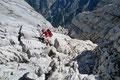 … Felstürmen  erreichte man  die Scharte des Grieskarsteiges auf 1927m Seehöhe.
