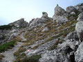 … durch die bizarre Landschaft der verschiedensten Felsformationen.