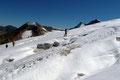 Aufgrund der geringen Schneelage (beinahe Blankeis) gestaltete sich das Ausmachen und Umgehen der Spalten eher problemlos.