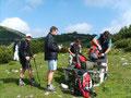 ... und nachdem wir auch noch die letzten Meter mit Bravour gemeistert hatten, waren wir auch schon angekommen am Plateau. Wir legten unsere doch ziemlich schweren Rucksäcke ab ...