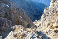 Ein Felsszenario das ich so zuletzt ins Ägypten bei unserer Besteigung des Moses Berges gesehen hatte.