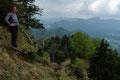 Die letzten Höhenmeter bis zum Gipfelkreuz wurden schlussendlich in engen Serpentinen …