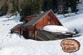 In mitten der weißen Pracht eingebettet, lagen die zu dieser Jahreszeit geschlossenen Hütten vor uns.