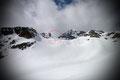 Links von uns versteckt sich der K2