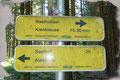 Da dieser Attersee-Gipfel in den letzten Jahren, durch die dichte Bewaldung den Ausblick in die Region verloren hatte, verharrten auch wir nicht lange im Gipfelbereich und folgten den Hinweisschildern Richtung Seefeld zurück.
