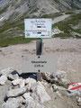 Nach etwa 50 Min. ab Giglachseehütte war die Ahkarscharte (2315m) dann auch erreicht. Jetzt musste ich eine Entscheidung treffen.