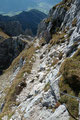 … entlang der drahtseilversicherten Felsbänder …
