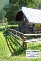… erreichte ich die Jagdhütte der Oberen Schönaualm (Schönaualpe). An dieser geradlinig vorbei …