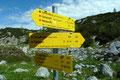 Die nächste Wegkreuzung wenige Meter weiter des Steiges leitete uns in nordöstliche Richtung dem Schneibstein entgegen.
