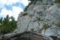 Kleine zu überkletternde Felsbänder und …