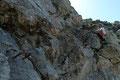 … welche mehrfach von kleinen zum Teil gesicherten Felsstufen unterbrochen wurde.