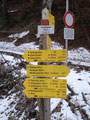 Nach etwa 20 Min. erreichte ich das 1154m hoch gelegene Haslersgatter. Das nächste Schild wies mir den weiteren Weg. Größtenberg 3 Std.