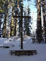 ... das Gipfelkreuz des ca. 1080m hohen Pernecker Kogels.