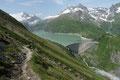 Bereits im nächsten Moment tänzelte meinereiner sozusagen über Stock und Stein den serpentinenreichen 718er ÖAV-Steig …