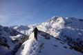Diese beliebte Wintertour im Toten Gebirge bot wahrlich alle Zutaten eines wahren Klassikers: Wunderschöne Hänge, herrlicher Pulverschnee und …