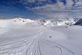 … darunterliegenden Boden mit dem im Schnee versteckten Oberen Wildalmsee.