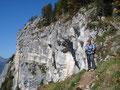 """Angeführt von unserer Tourleaderin """"Bergschnecke Margit"""" erreichten wir die einzige Schlüsselstelle dieser Wanderung ..."""