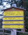 Eine schöne Rundtour mit allen Merkmalen des Toten Gebirge stand heute auf dem Programm. Gemeinsam mit Wolfgang startete unsere Runde am Parkplatz der idyllischen Hintereggeralm, unterhalb der Hütten. Als erstes anvisiertes Ziel, der Nazogl (2057m).