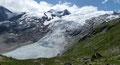 Immer wieder aufs Neue zog im Zuge des Abstiegs das herrliche Panorama mit der zerklüfteten Gletscherzunge des Schlatenkees unsere Blicke auf sich.