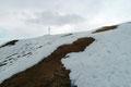 Auch diese Hürde fast spielerisch hinter uns gelassen, tauchte das schon erwartete Gipfelkreuz im Blickfeld auf. Kein Mensch, keine Seele belagerte den höchsten Punkt des Gumpenecks. Er gehörte uns ganz alleine!