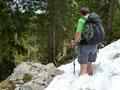 Damit die Füße bei der Rundtour nicht allzu heiß liefen, sorgten die letzten kleinen Altschneefelder an den sonnenarmen Nordabstürzen des Sengsengebirges für eine wohltuende Abkühlung. ZISCH!!! *grins*