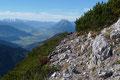 Nachdem ich auch noch den Gipfelbucheintrag am Kitzstein-Gipfel nachgeholt hatte, eilte ich den markierten Kammsteig …