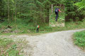 """In der vierten Spitzkehre, nach etwa 1 km langem """"Forststraßenhatscha"""" verließen wir die Schotterstraße und …"""