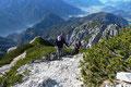 Man kann von Wanderstöcken halten was man will. Hier waren sie uns sehr hilfreich im Aufstieg.