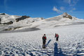 Fast jeder Meter bis hin zu den markanten Zwillingen war bestens überblickbar. In einem weiten Linksbogen führte er zwischen Johannisberg (3463m) und Hufeisenabbruch des Oberen Pasterzenboden in südwestliche Richtung.