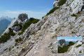 Immer wieder ergab sich der Anblick bizarrer Felsformationen entlang des Abstiegsweges. Gleich hier links eröffnete sich eine weitere Abstiegsoption: Der Goldtropf Steig oder Normalweg.