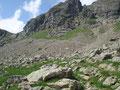 Der Abstieg gestaltete sich relativ zügig und ich blickte nochmals auf die Unter Klafferscharte und den absolvierten Weg zurück.