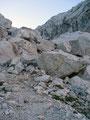 Weiter führte der Weg über Steine, Felsen und ...