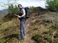 """Der weitere Abstieg zum  Walkerskogel (1243m)gestaltete sich dann doch ohne nennenswerte Probleme und auch """"Bestien-Frei"""". Von hier konnten wir beide nochmals einen wunderbaren Blick zurück …"""