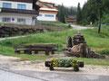 Gleich nebenan lud schon ein wunderschön angelegter Rastplatz mit Brunnen zum Verweilen ein.