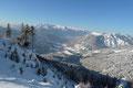 Und noch weiter nach links schweifend, der Tiefblick auf Russbach mit dem dahinterliegenden Tennengebirge. Egal in welche Richtung man auch sah, alles erstrahlte im winterlichen Kleid.