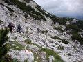 """... hinab durch die bizarre Landschaft des """"Toten Gebirges"""" ..."""