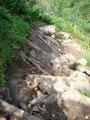 … über so nett angelegte Stufen wanderte ich talwärts.