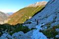Nicht die Felsstufen stellten das wahre Problem dar, sondern die eher unangenehmen harten Schneefelder und …